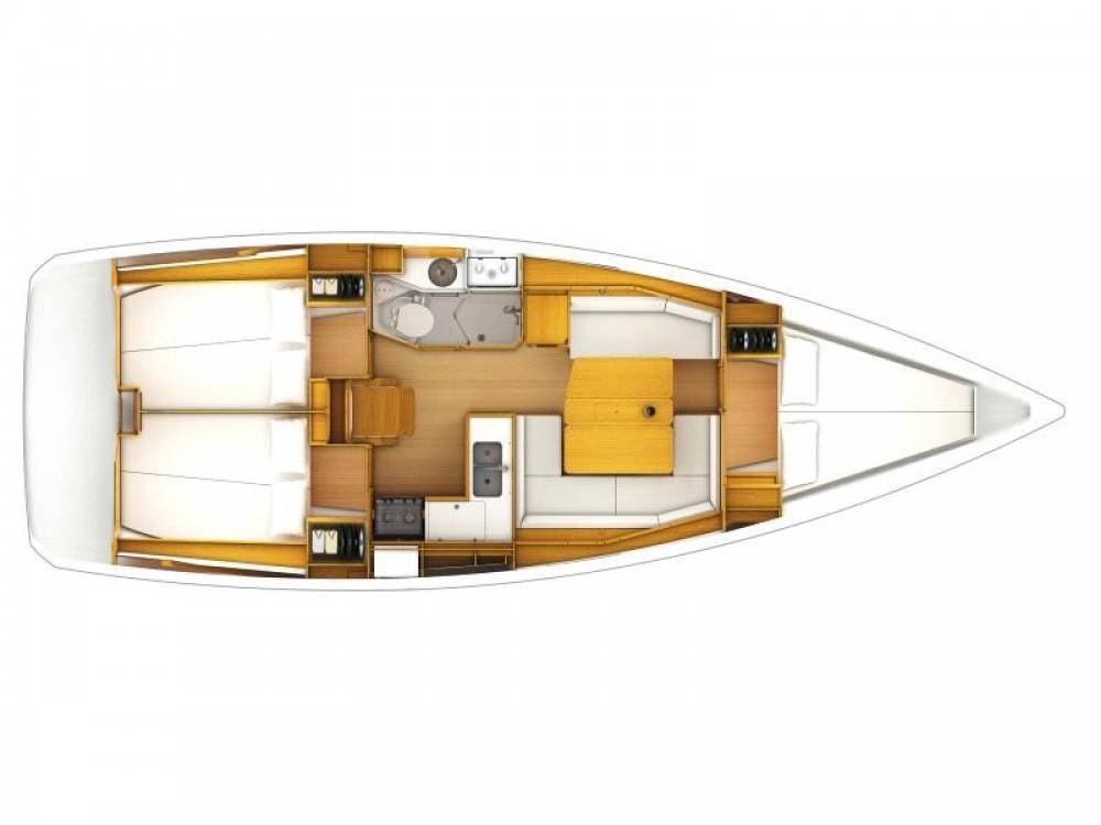 Boat rental Jeanneau Sun Odyssey 379 in Nieuwpoort on Samboat