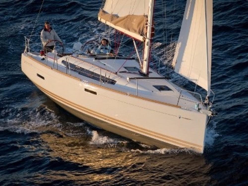 Rent a Jeanneau Sun Odyssey 379 Nieuwpoort