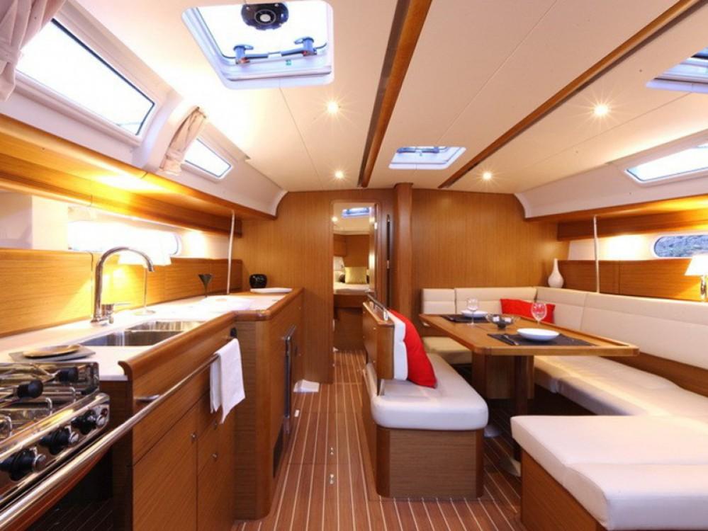 Boat rental Jeanneau Sun Odyssey 44 i in Nieuwpoort on Samboat