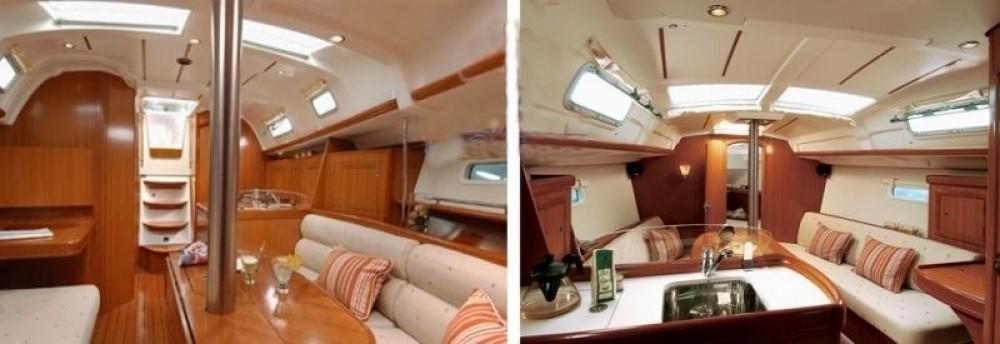 Rental Sailboat in Arzon - Bénéteau Oceanis 323 Dl