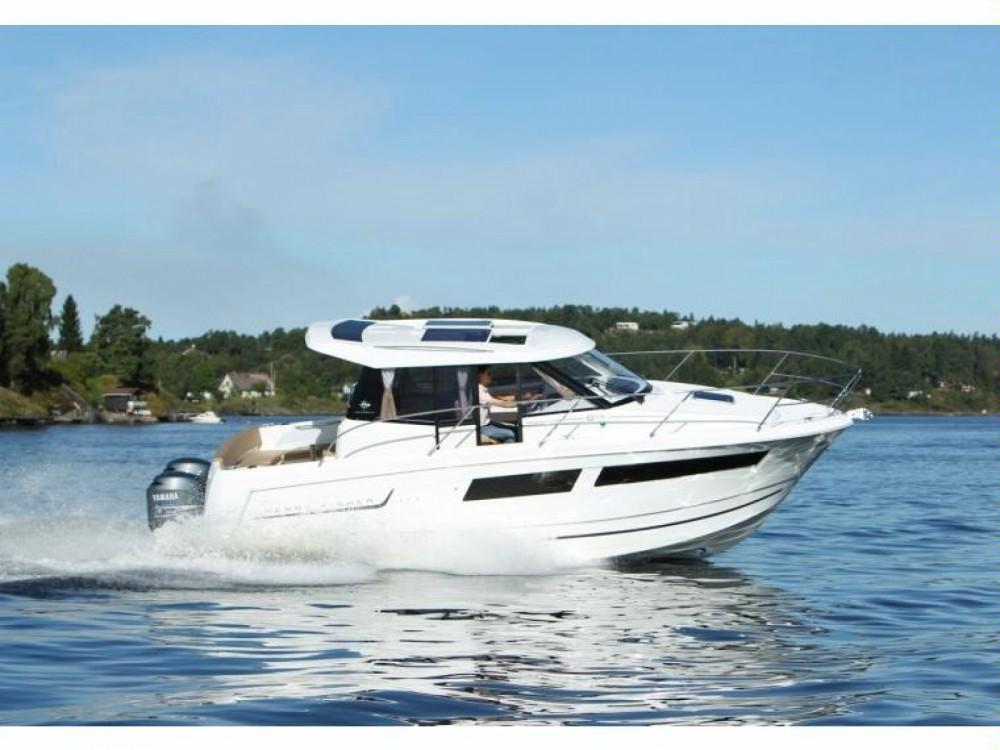 Rental yacht Nieuwpoort - Jeanneau merry fisher 855* on SamBoat