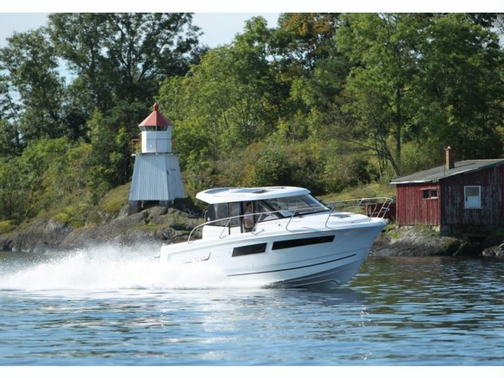 Motor boat for rent Nieuwpoort at the best price