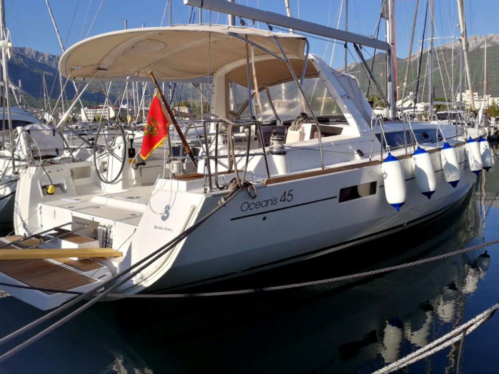 Boat rental Bénéteau Oceanis 45 in Herceg Novi on Samboat