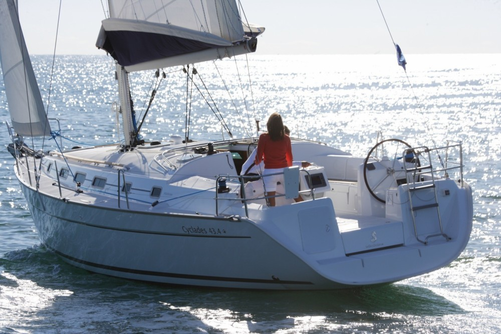 Rental Sailboat in Barcelona - Bénéteau Cyclades 43