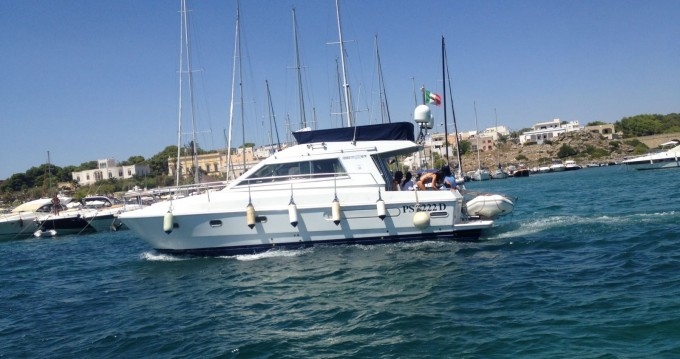 Hire Motorboat with or without skipper Ferretti Gallipoli