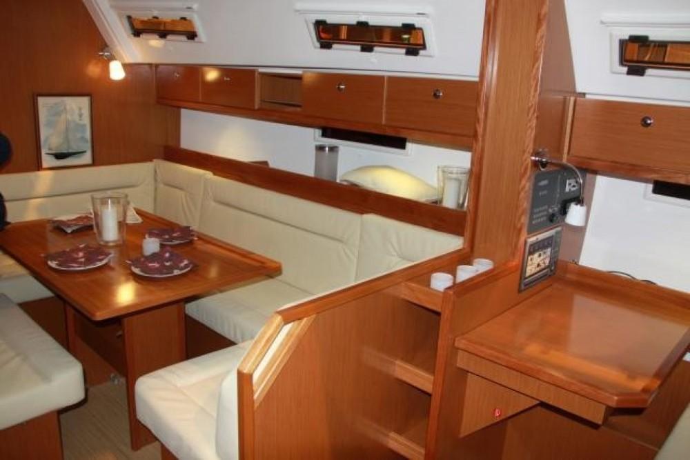 Rental yacht Arzon - Bavaria Bavaria 40 on SamBoat