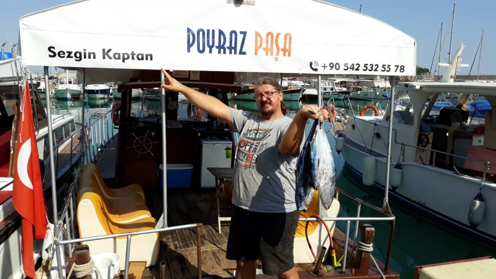 Rental Motor boat Local Productor with a permit