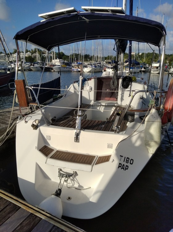 Sailboat for rent Pointe-à-Pitre at the best price