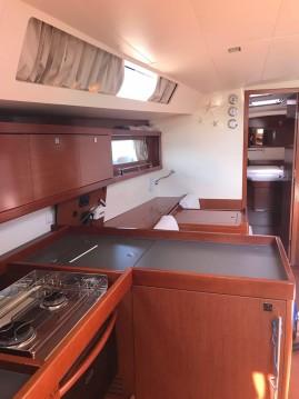 Boat rental Bénéteau Oceanis 45 in Furnari on Samboat