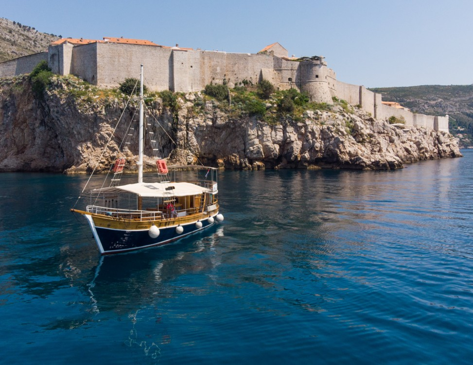 Canal boat for rent Dubrovnik at the best price