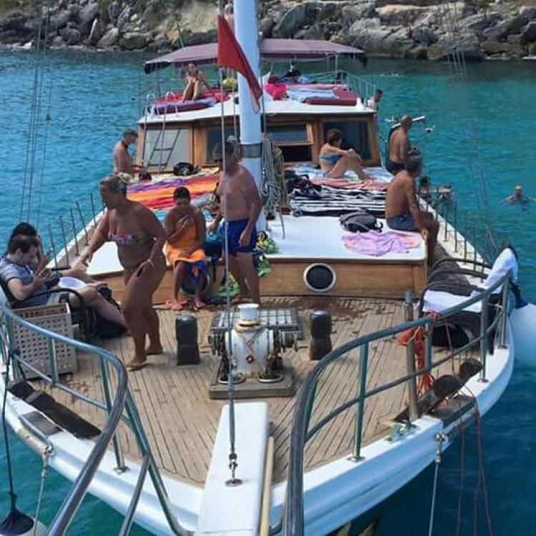 Hasan Aliboyererol Oztabak Shipyard Caicco between personal and professional Trapani