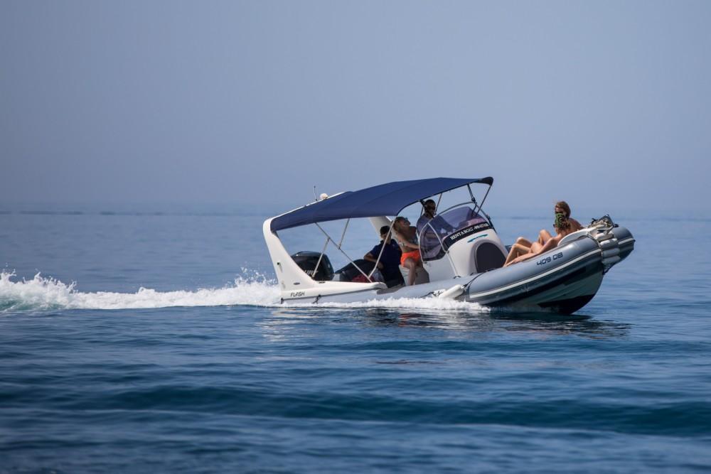 Boat rental Zodiac 409 DB in Dubrovnik on Samboat