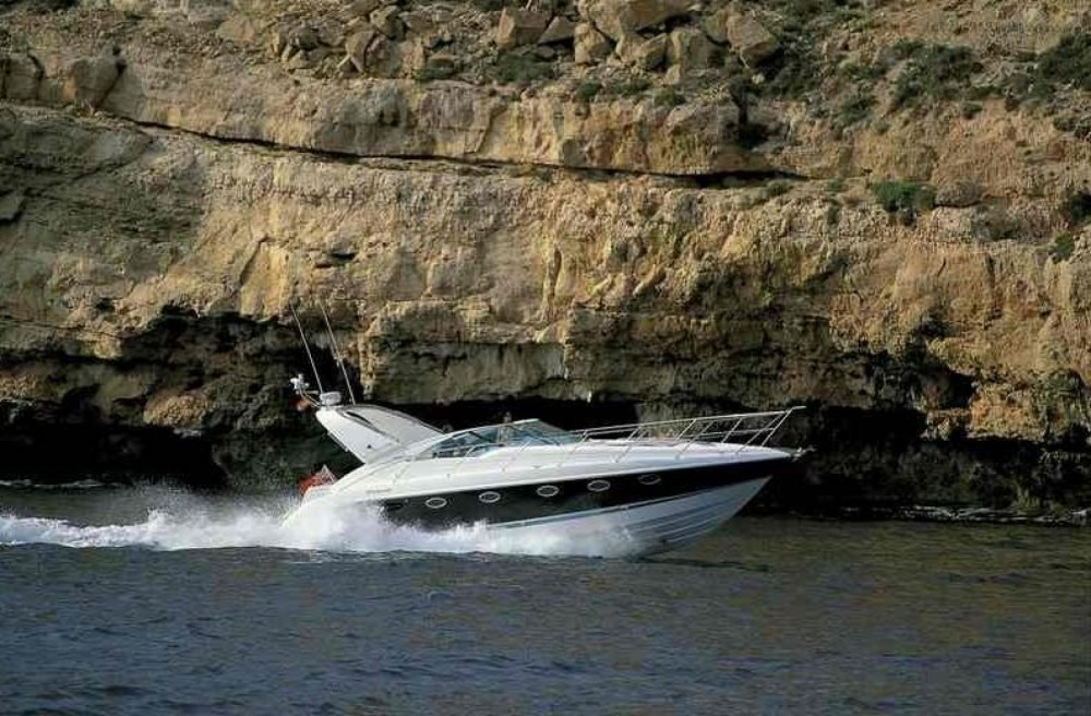 Fairline 40 targa between personal and professional Tourlos