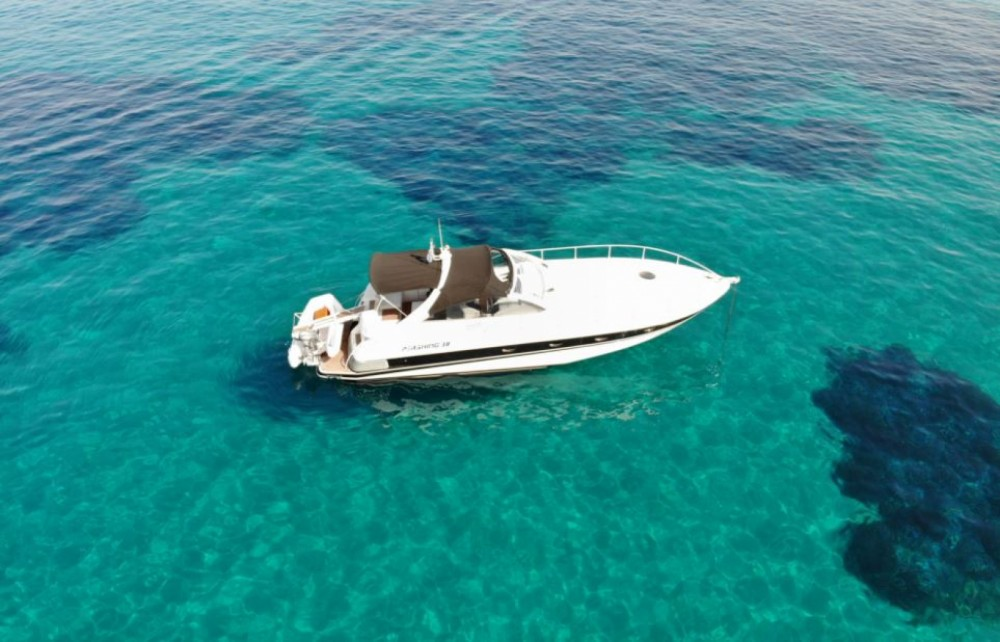 Hire Motor boat with or without skipper Pershing Tourlos