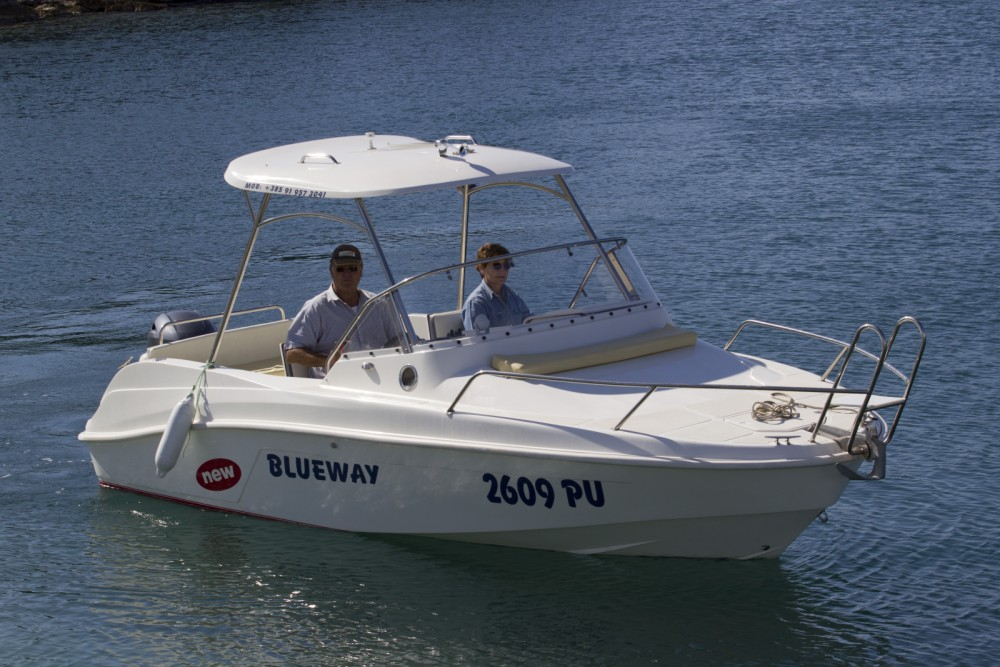Rental Motorboat Blueway with a permit