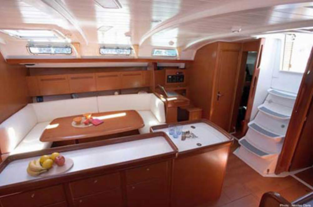 Boat rental Bénéteau Cyclades 50.5 in Tourlos on Samboat