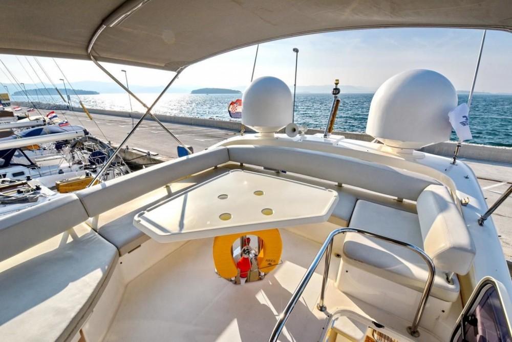 Rental yacht Dubrovnik - Azimut Azimut 43 Fly on SamBoat