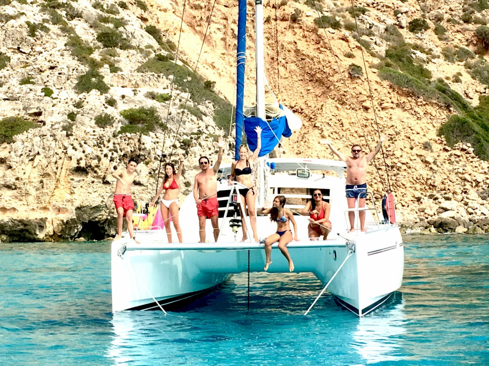 Boat rental Robertson and Caine Leopard 40 in Balearic Islands on Samboat