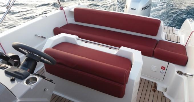 Boat rental Atlantic open 670 in Tribunj on Samboat