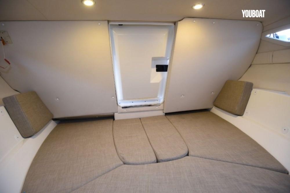 Rental yacht Martigues - Bayliner VR5 Cuddy on SamBoat