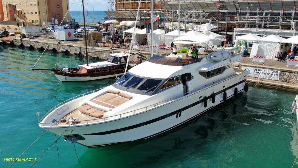 Boat rental Castellammare di Stabia cheap PHANTOM 80
