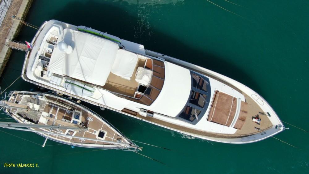 Rental Yacht Versilcraft with a permit