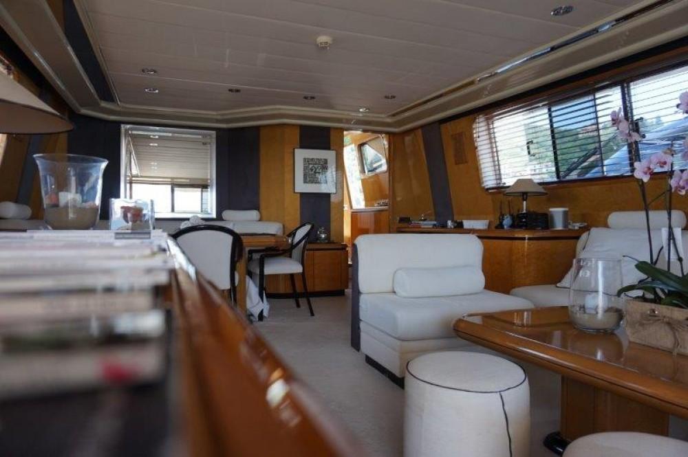 Rental yacht Castellammare di Stabia - Versilcraft PHANTOM 80  on SamBoat