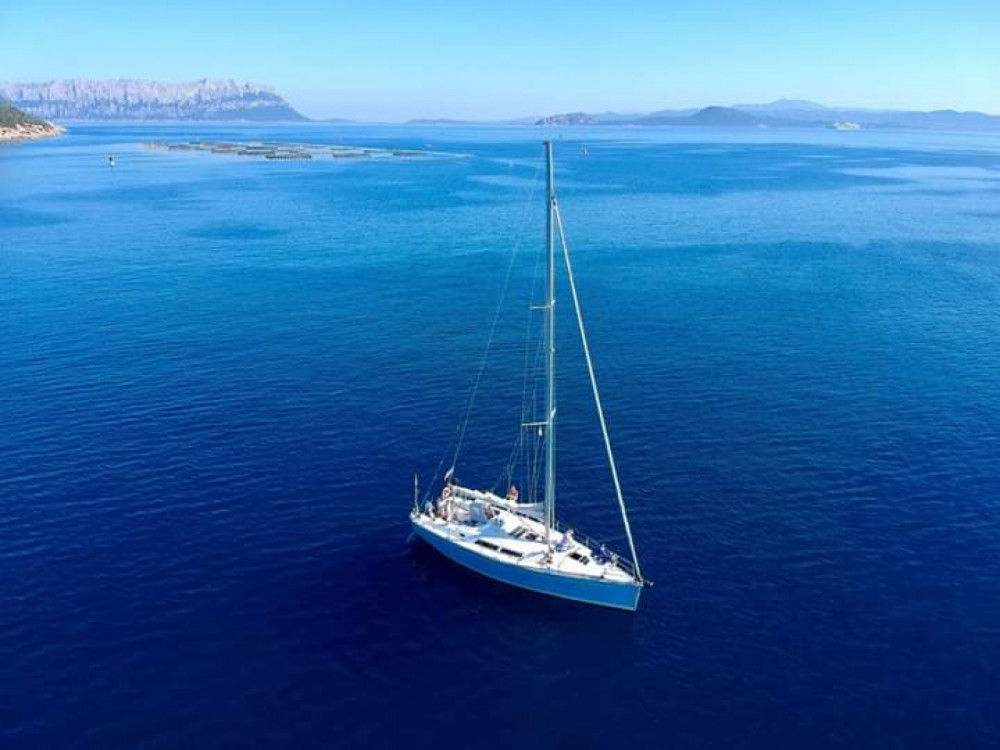 Hire Sailboat with or without skipper Hanse Sardinia