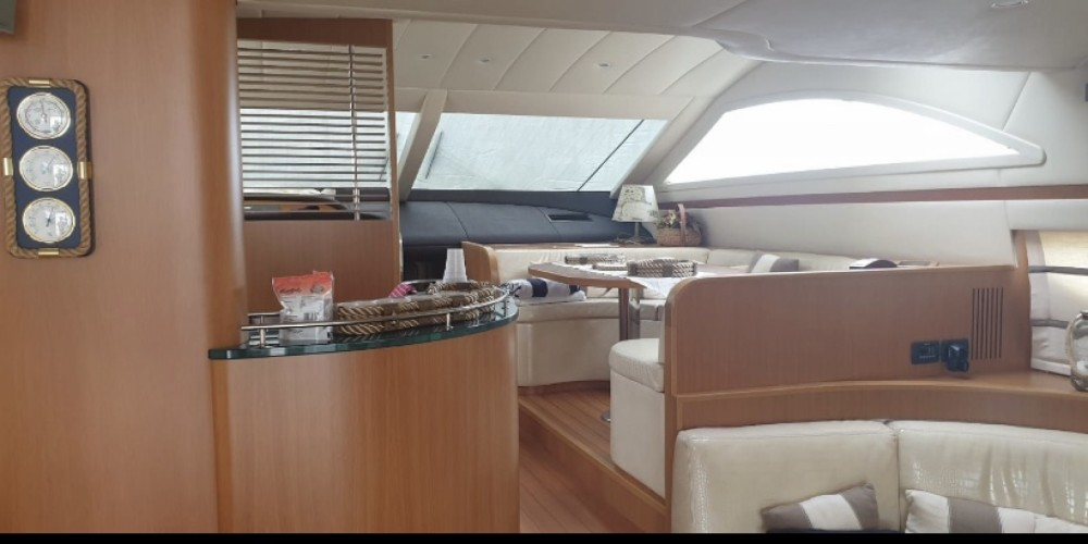 Boat rental Uniesse Uniesse 58 Fly  in Nettuno on Samboat
