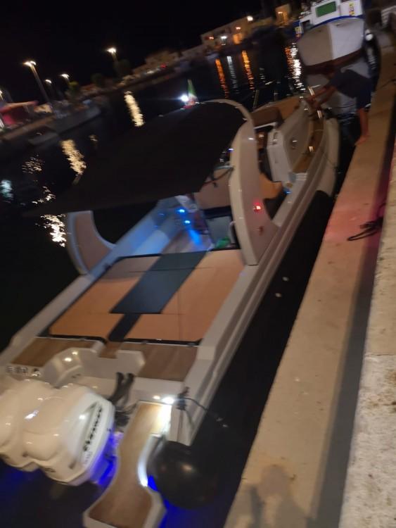 Boat rental Revenger Revenger 110 in Terracina on Samboat