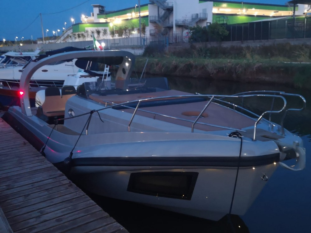 Boat rental Terracina cheap Revenger 110