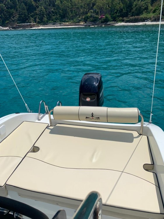 Rental Motor boat Open trimarchi with a permit