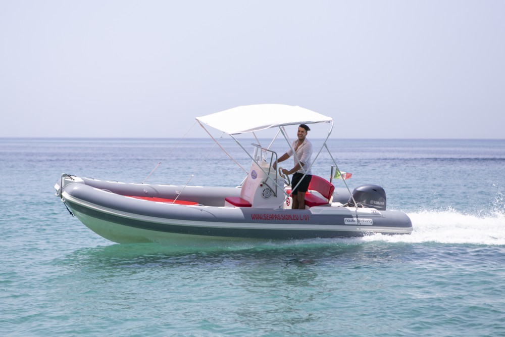Rental RIB Nautica Diving with a permit