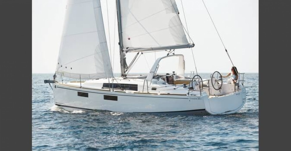 Rental Sailboat in Le Marin - Bénéteau Oceanis 35.1