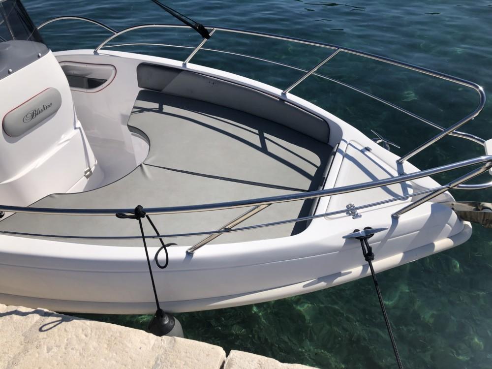 Rent a Bluline 21 Open Zadar