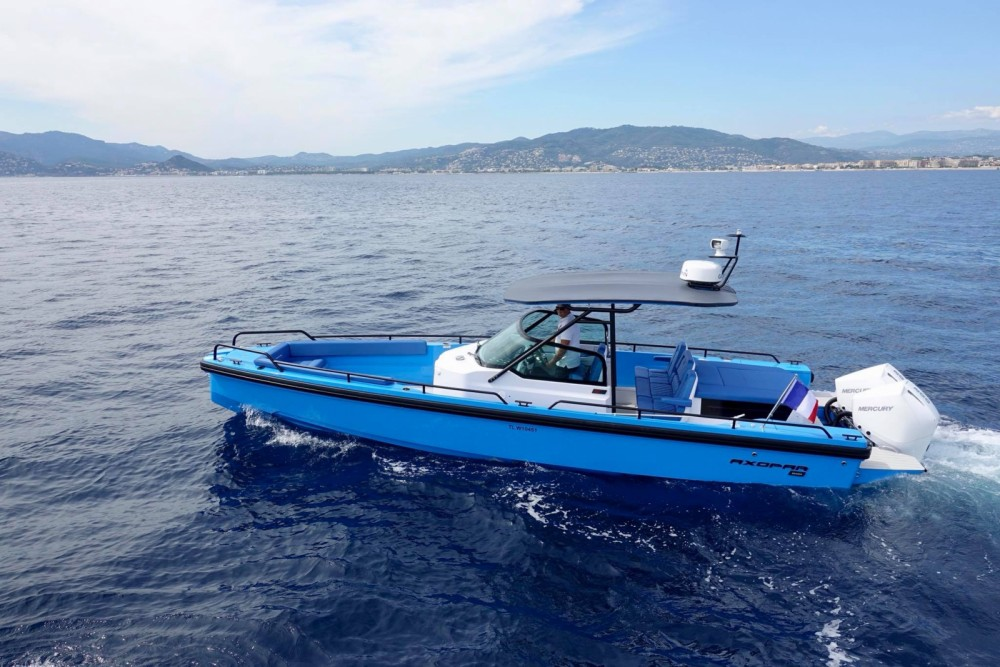 Rental Motorboat Axopar with a permit