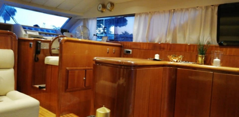Hire Yacht with or without skipper Azimut Terracina