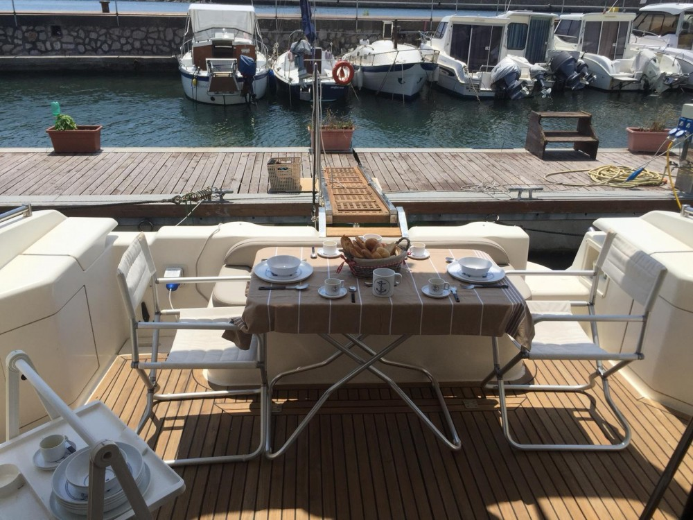 Boat rental Azimut Az 40 in Terracina on Samboat