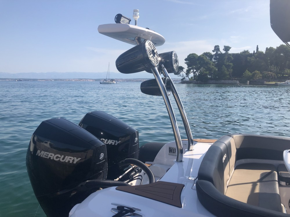 Grand Boats G850 LF Golden Line Cruisers between personal and professional Zadar