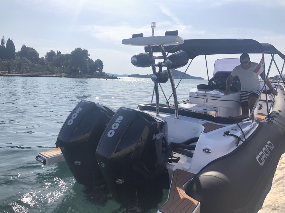 Boat rental Zadar cheap G850 LF Golden Line Cruisers