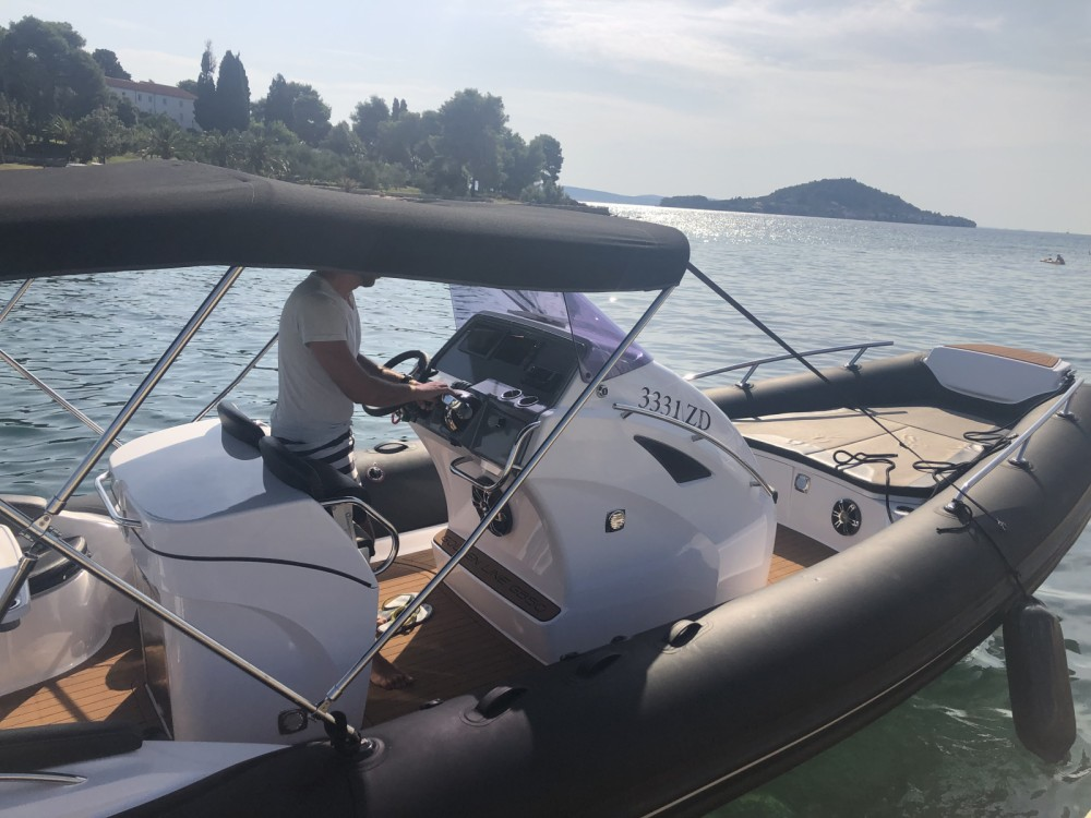 Rent a Grand Boats G850 LF Golden Line Cruisers Zadar