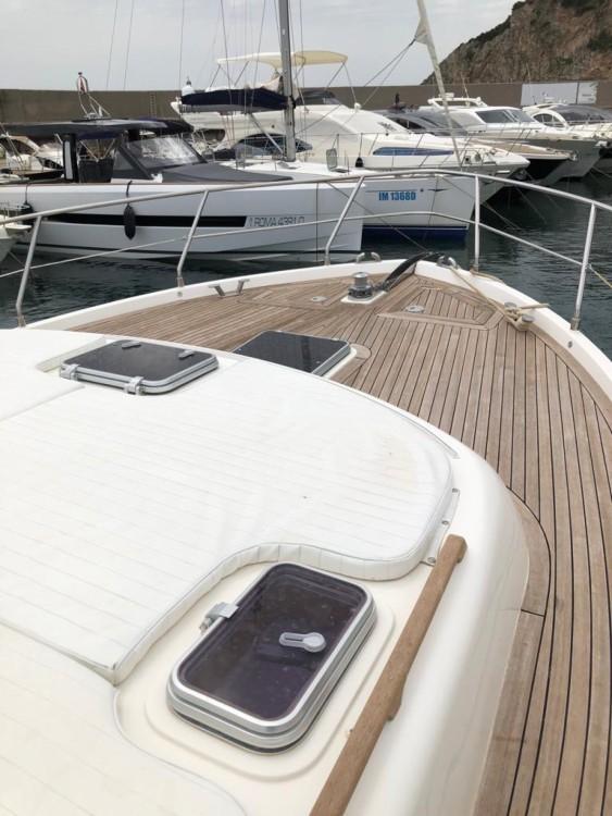 Boat rental San Felice Circeo cheap Gold star 44