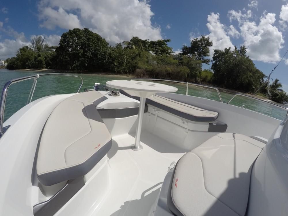 Rental Motorboat in Pointe-à-Pitre - Bénéteau Flyer 6.6 SPACEdeck