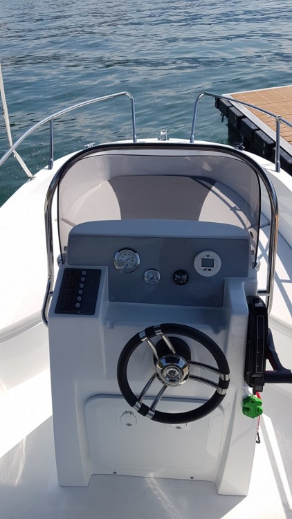 Motor boat for rent Tremezzo at the best price