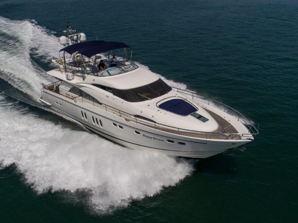 Boat rental Fairline Fairline Squadron 74 in Setúbal on Samboat