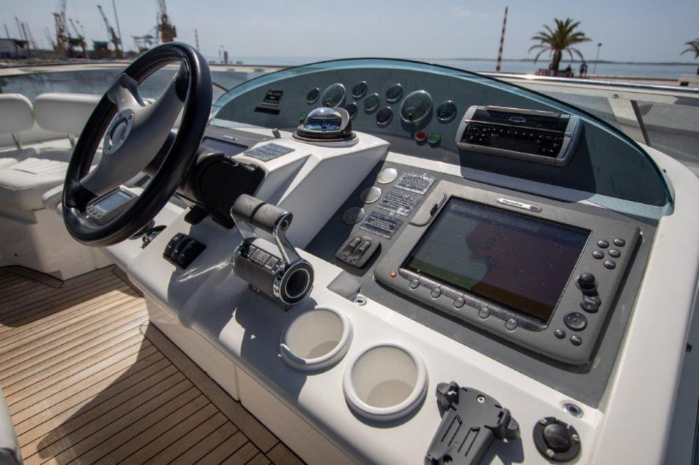 Rental Yacht in Setúbal - Fairline Fairline Squadron 74