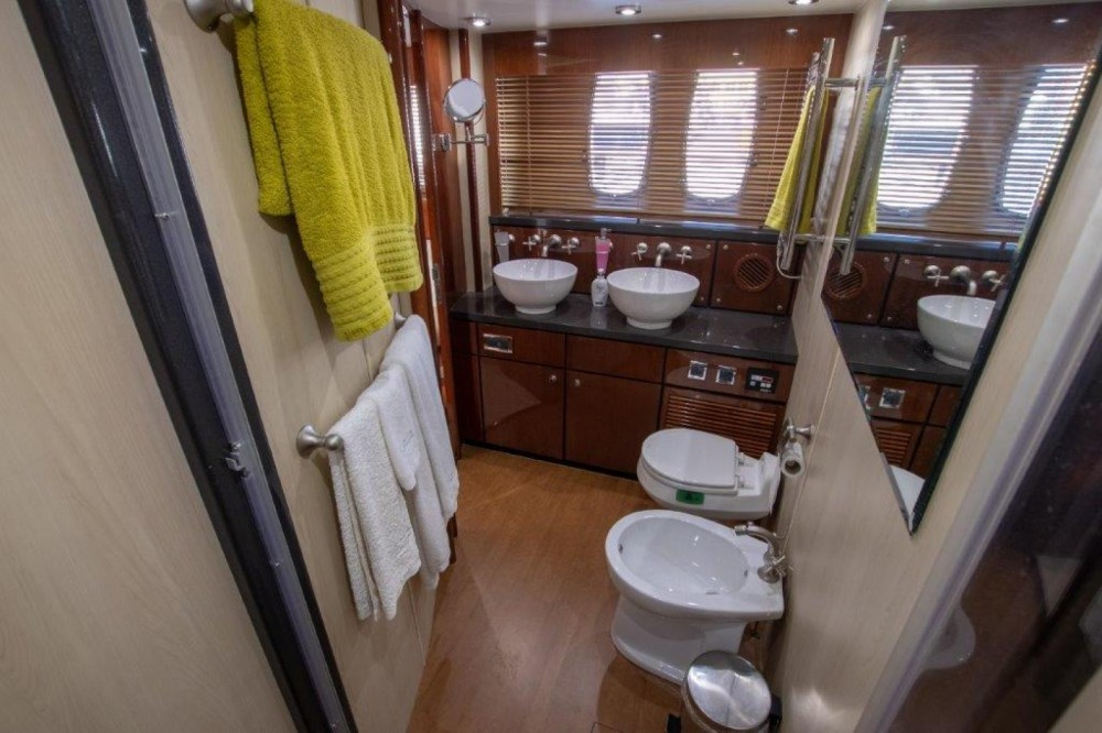 Yacht for rent Setúbal at the best price