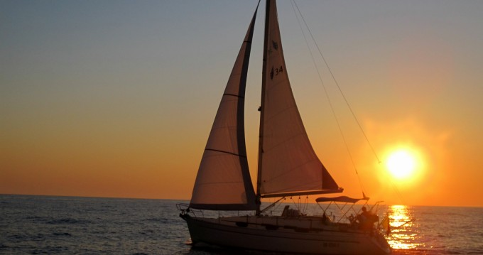 Sailboat for rent Bari at the best price