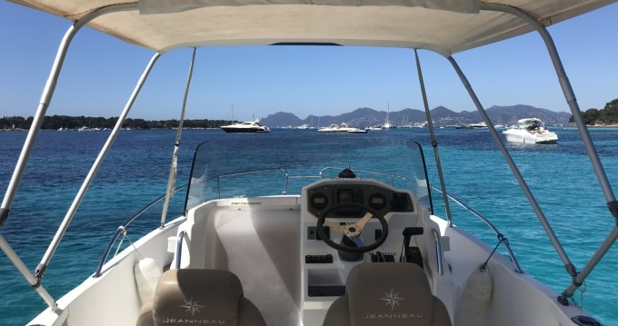 Boat rental Golfe-Juan cheap Cap Camarat 6.5 CC