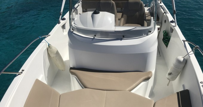 Rental yacht Golfe-Juan - Jeanneau Cap Camarat 6.5 CC on SamBoat